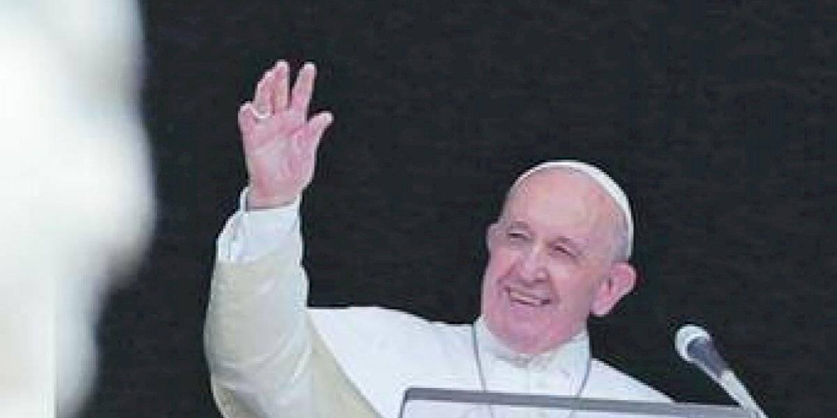 El Papa llegó tarde a dar la bendición porque estaba atrapado en un ascensor