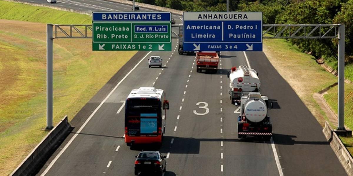 Engavetamento de 18 carros no km 19 deixa feridos na rodovia Anhanguera