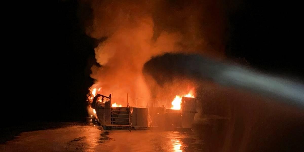 """""""Podía ver el fuego saliendo por los lados del bote, era horrendo"""": barco de buceo se incendia y deja al menos 25 muertos en California"""