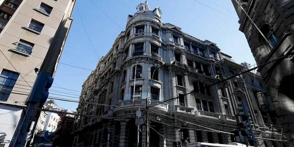 El emblema de Valparaíso tendrá una postura mínima de $1.800 millones: el 30 de octubre rematarán edificio de la Bolsa de Valores