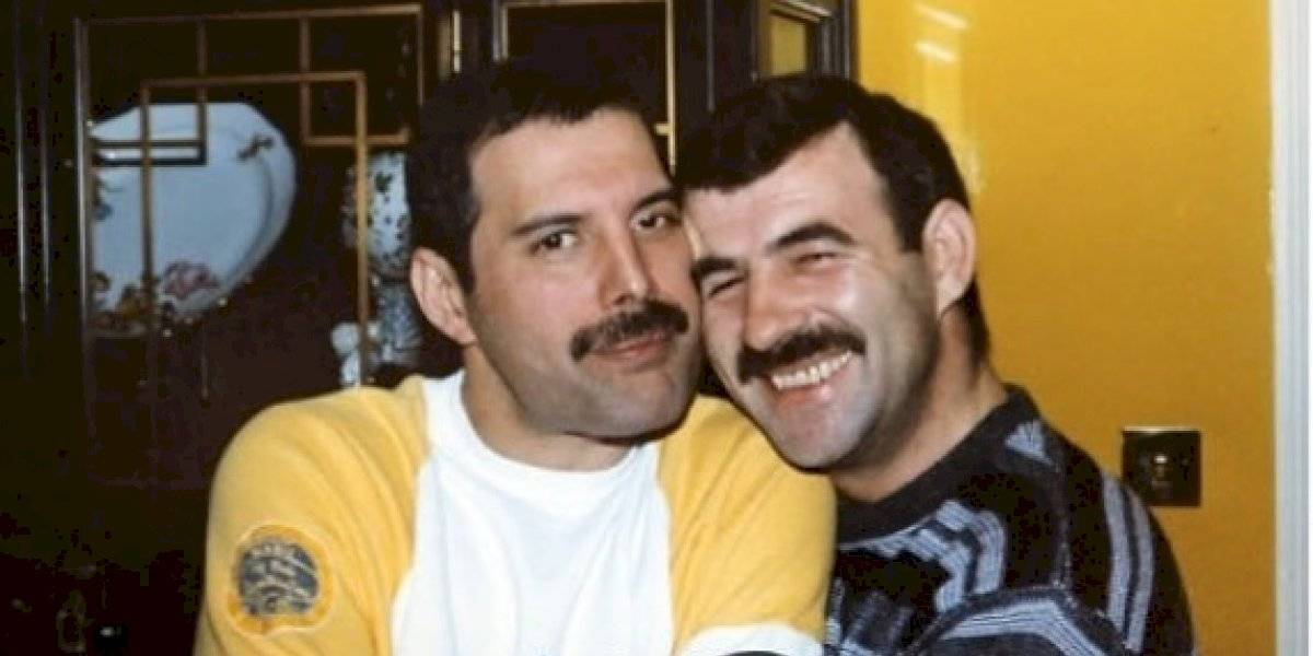 Sin bigote y con su gato: ex pareja de Freddie Mercury revela sus últimas fotos