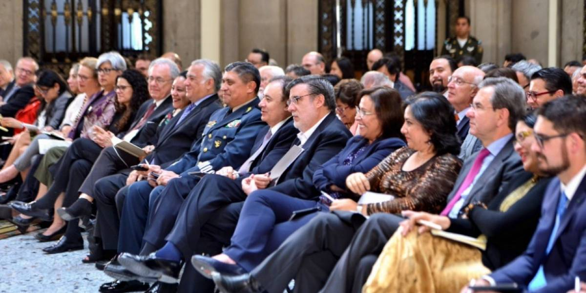 Mexicanos aumentan aprobación a gabinete de AMLO: Enkoll