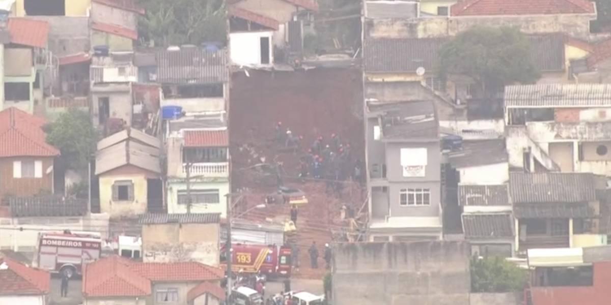 Barranco desliza em obra na zona leste de São Paulo