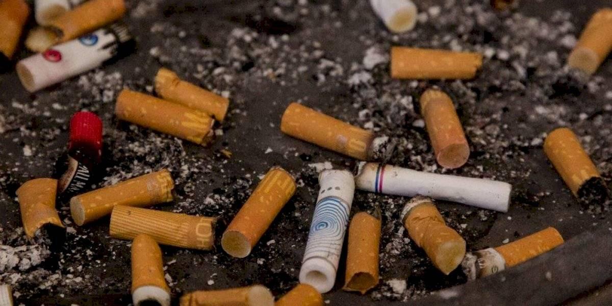 Proponen multas de hasta 25 mil pesos por tirar colillas de cigarro
