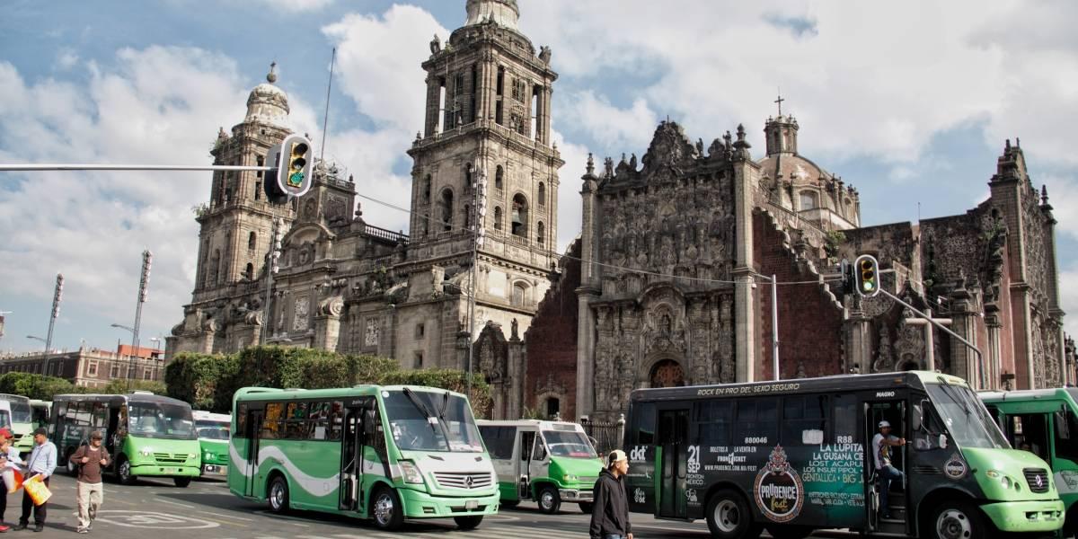 """""""Aumento a la tarifa: transportistas llegan al Zócalo"""