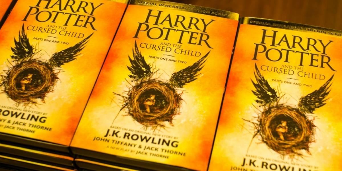 """Escuela católica prohibe libros de Harry Potter por contener """"hechizos reales"""""""
