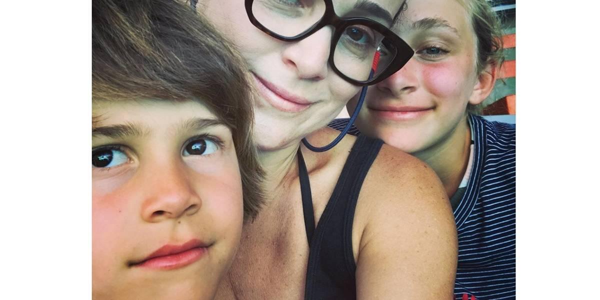 Filho de Gabriela Duarte pede R$ 170 para a 'fada do dente'