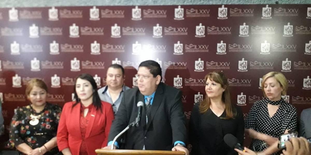 Deja Heredia al PRI y se integra a Morena