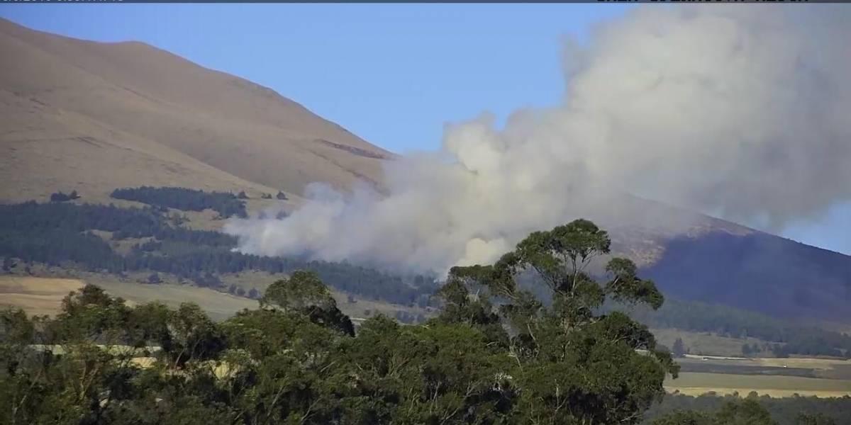Dos heridos tras incendio forestal en Machachi