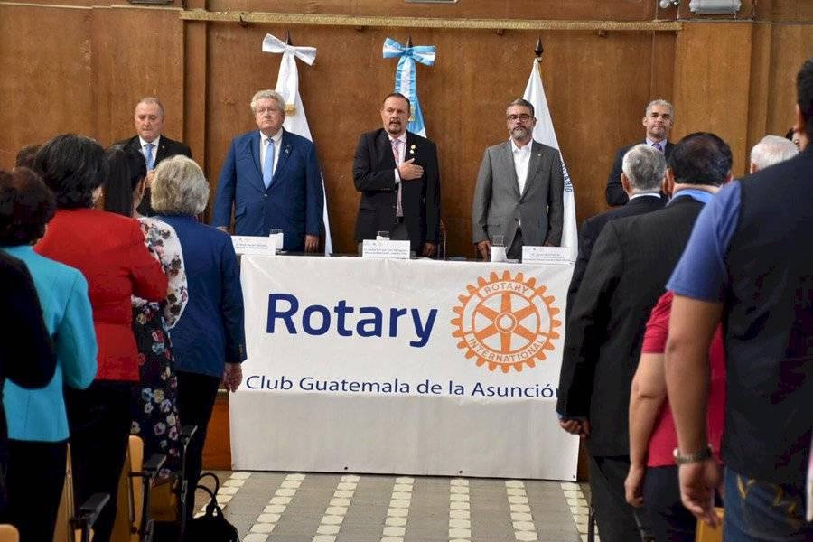 Rotary International dona equipo de rayos x digital