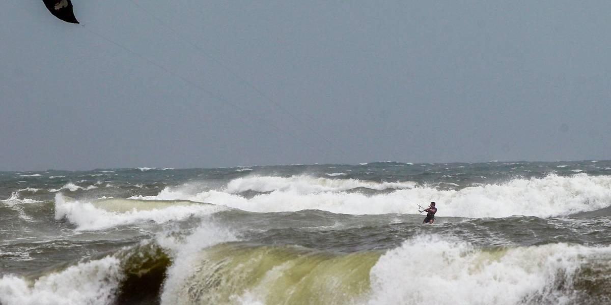 Se fortalecen vientos en Florida por Dorian