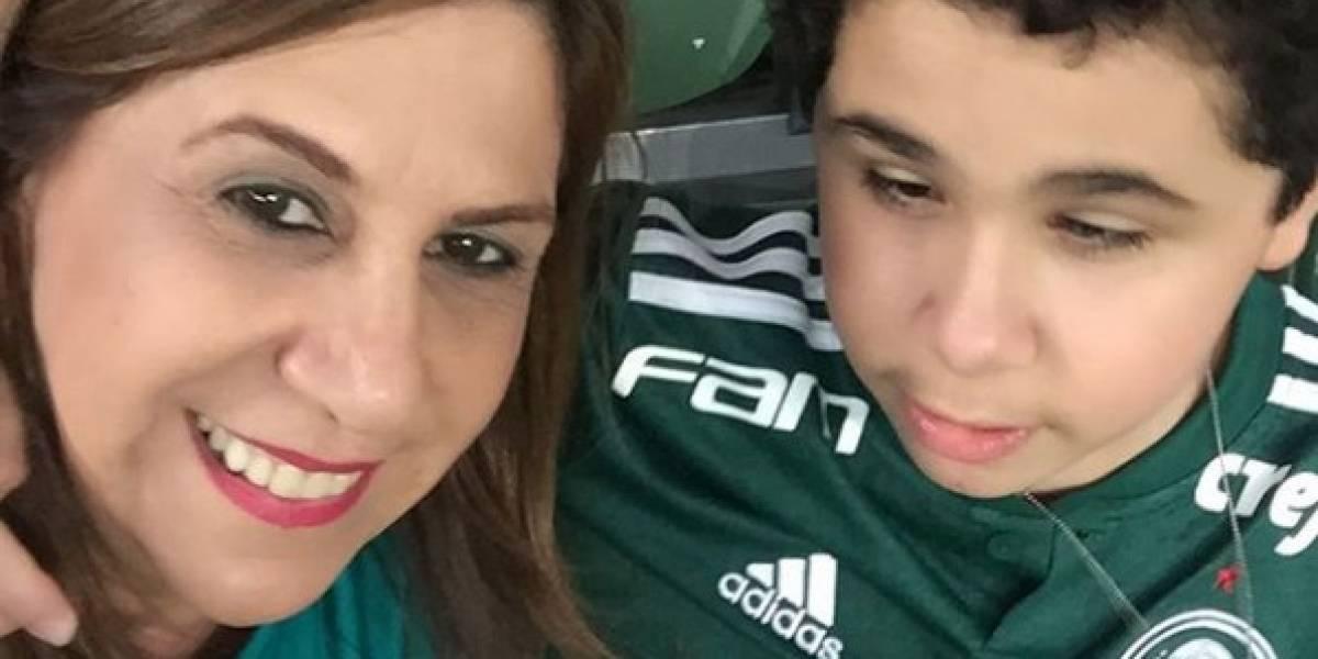 Mujer que narra partidos a su hijo invidente, nominada en premios The Best