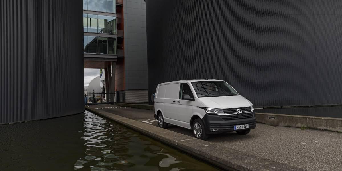Volkswagen T6.1, el primer Transporter digitalizado: sistemas de asistencia y Digital Cockpit