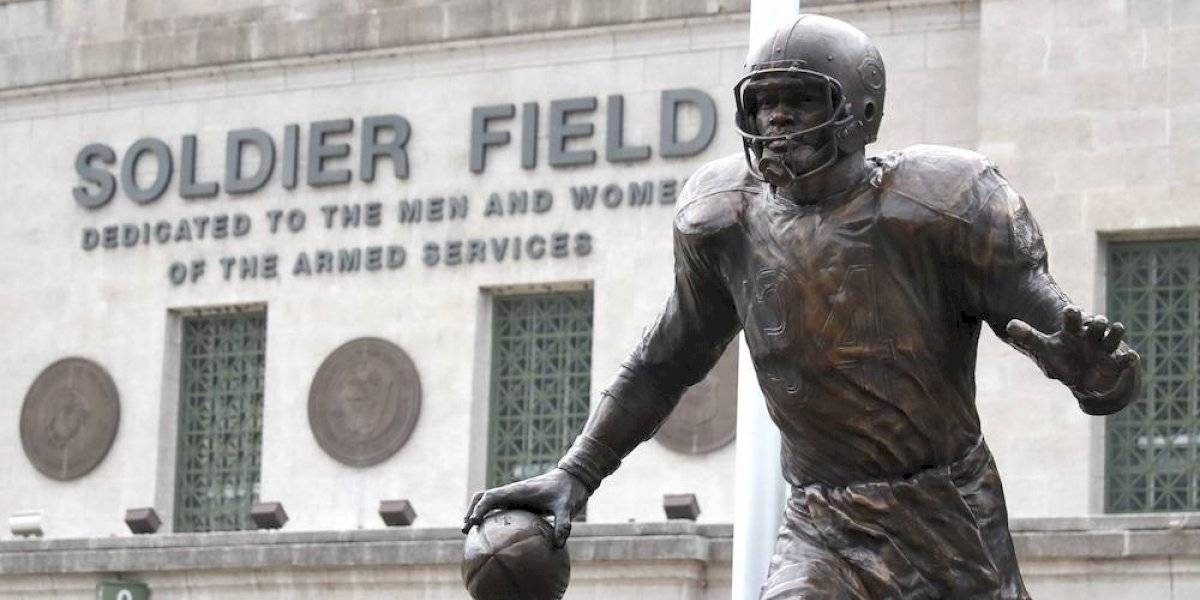Bears rinden homenaje al legendario Walter Payton con una estatua