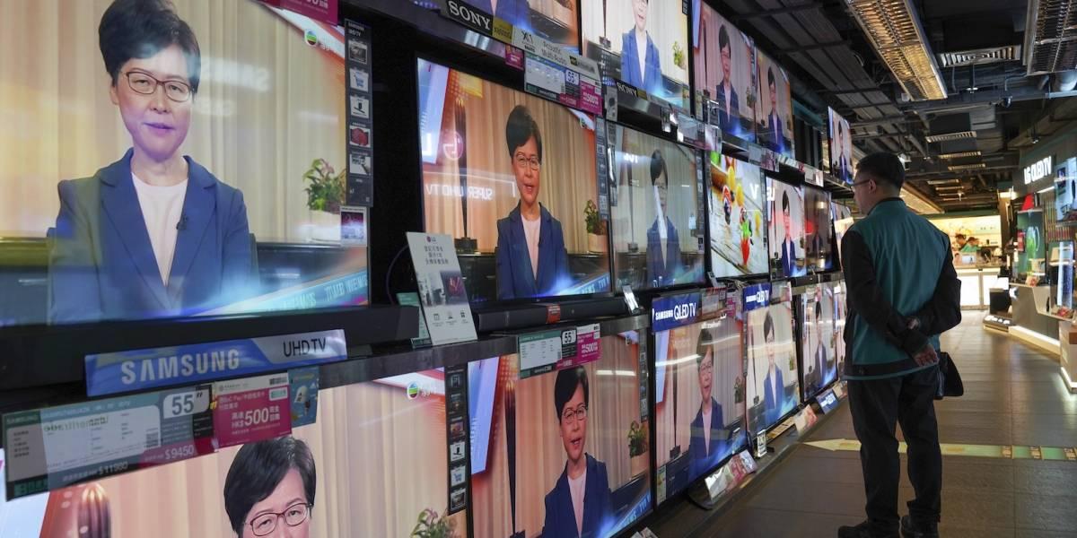 Hong Kong retira polémico proyecto de ley para frenar la violencia
