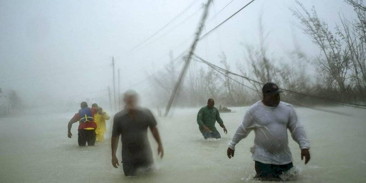 Rescatistas en Bahamas enfrentan la devastación de Dorian