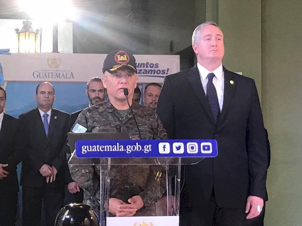 Autoridades dan conferencia de prensa por acciones derivadas por la muerte de tres soldados en El Estor, en Izabal. Foto: Adrián Soto, Emisoras Unidas 89.7 FM