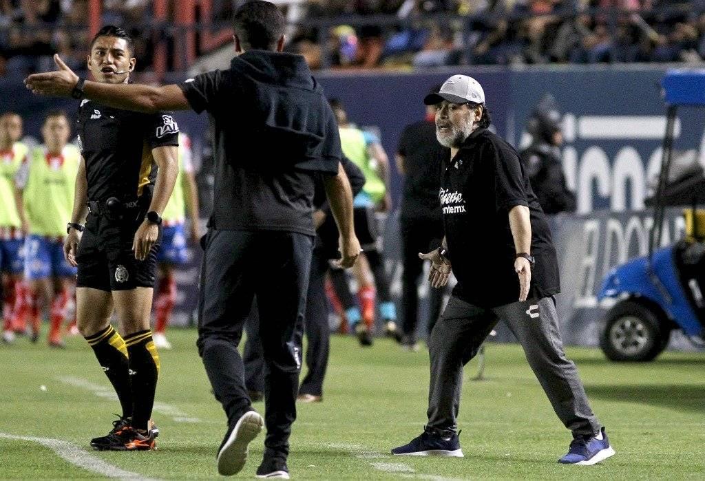 Diego Maradona dirigirá Gimnasia y Esgrima Superliga argentina