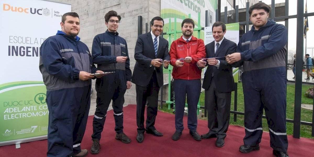Duoc UC abre una nueva electrolinera en Santiago Norte