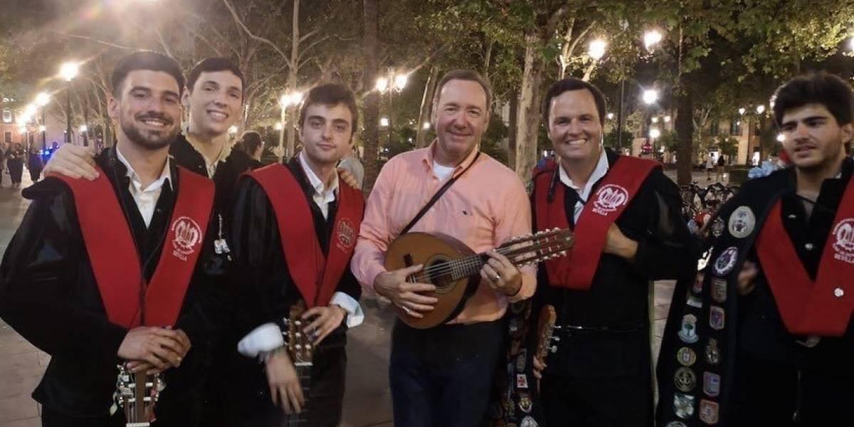 Kevin Spacey olvida Hollywood y se divierte en España