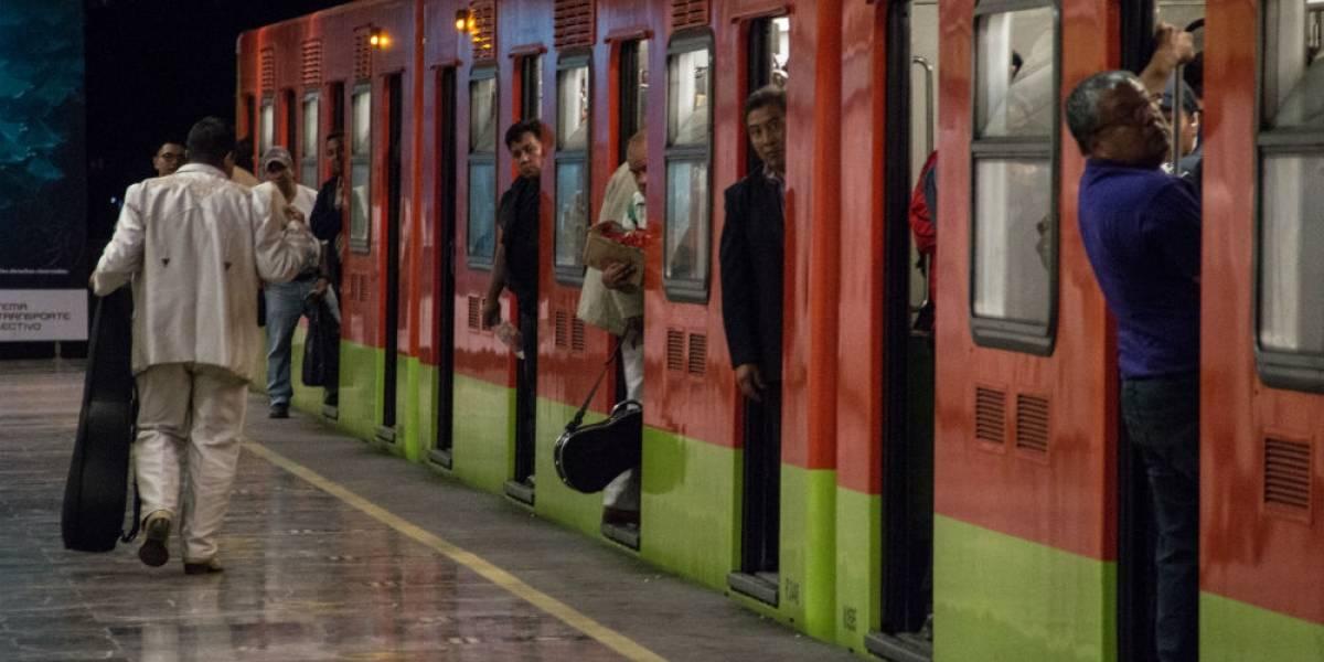 """""""Hace que me sienta sucio"""": personas cuentan por qué no usan el Metro de la CDMX"""