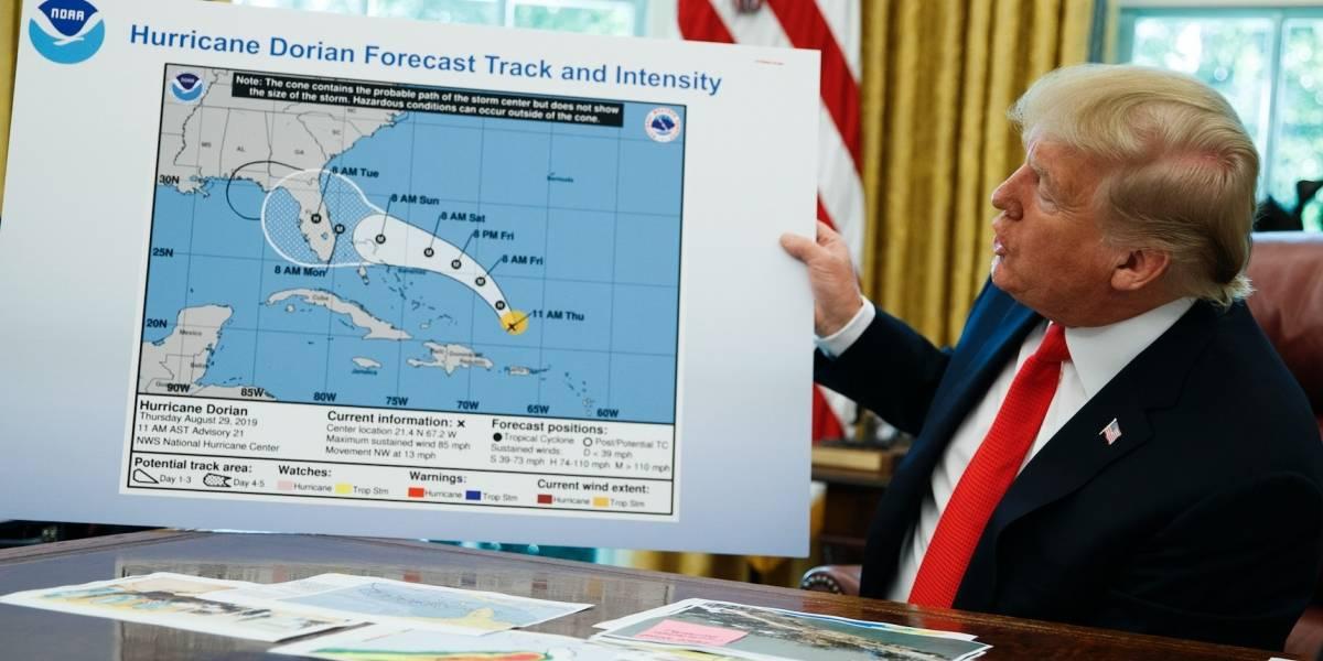 Trump insiste en que huracán Dorian iba a afectar Alabama