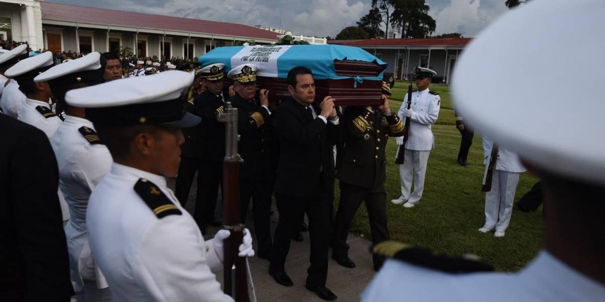 VIDEO. Rinden honras fúnebres a los tres militares ejecutados en El Estor, Izabal