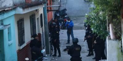 """Autoridades realizan allanamientos contra la banda """"los Cristaleros""""."""