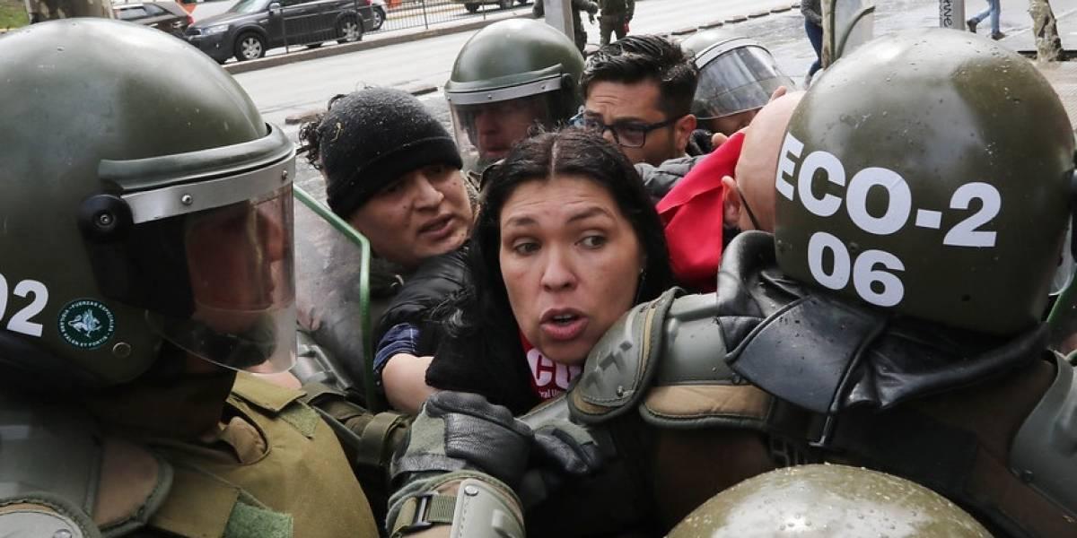 Más de 90 detenidos dejó la marcha no autorizada informó Carabineros