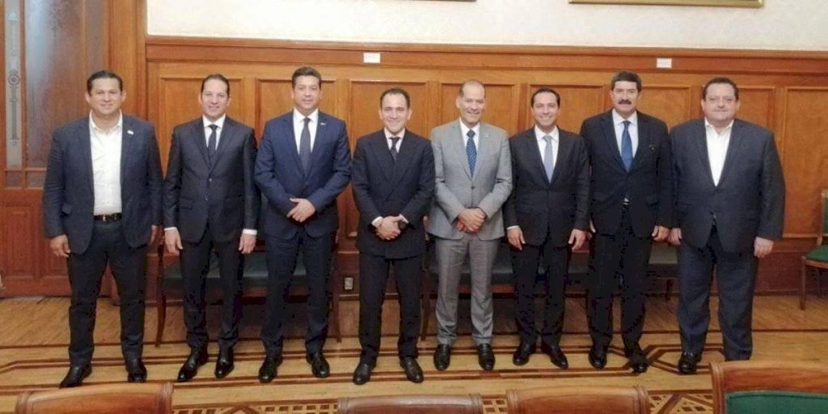 Gobernadores del PAN se reúnen con titular de la SHCP