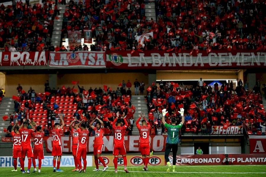 El grupo Andes Inversiones Deportivas, liderado por Bragarnik, es el controlador de Unión La Calera / Foto: Photosport