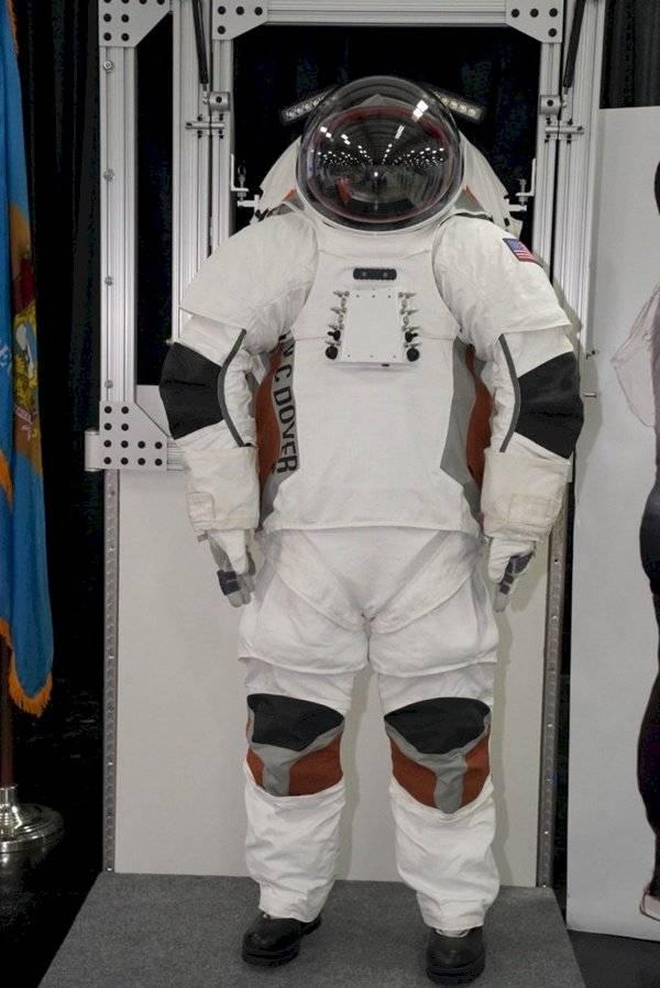 Sorpresa: Conoce los posibles trajes espaciales que usarían los astronautas en Marte