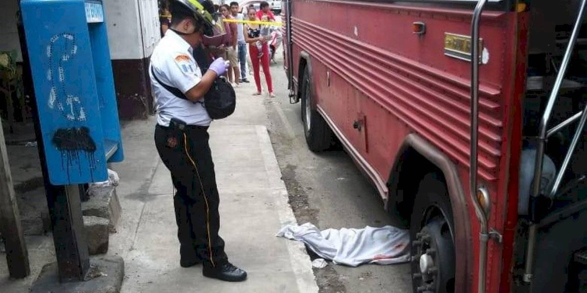 Niña de dos años muere al ser atropellada por un autobús, en la zona 7