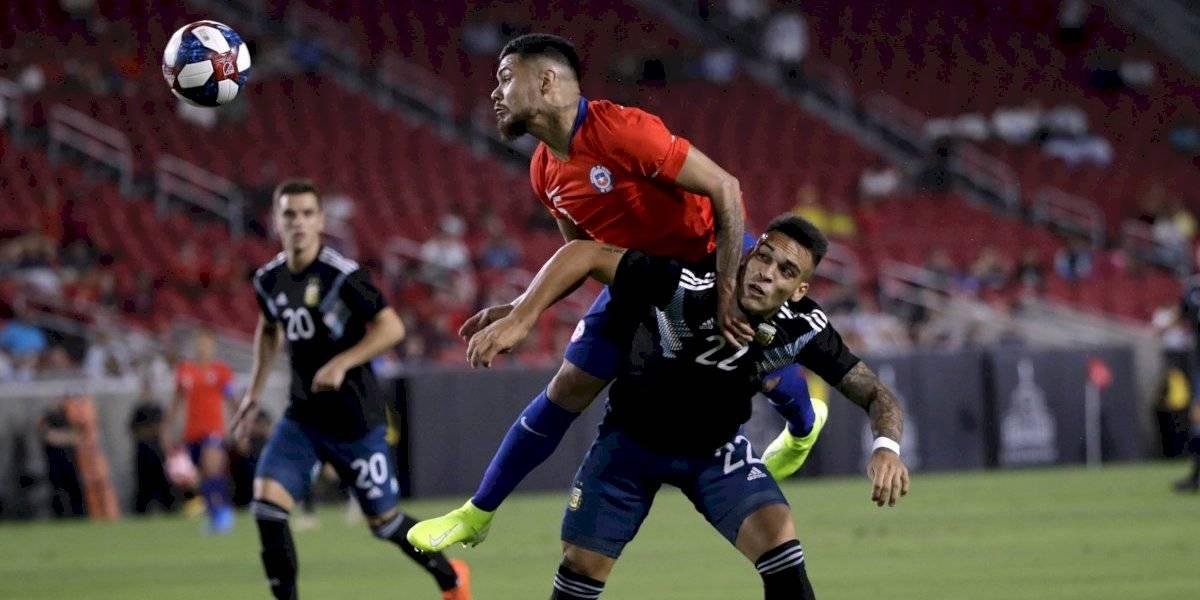 """Ítalo Díaz saca pecho por su hijo Paulo: """"Por algo Gallardo lo pidió de central, donde él siempre ha querido jugar"""""""