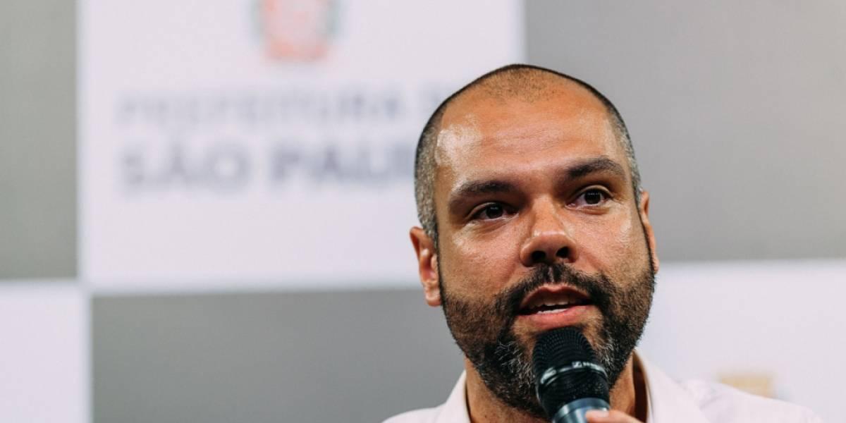 Após greve, Covas assina a licitação dos ônibus; polícia investiga locaute