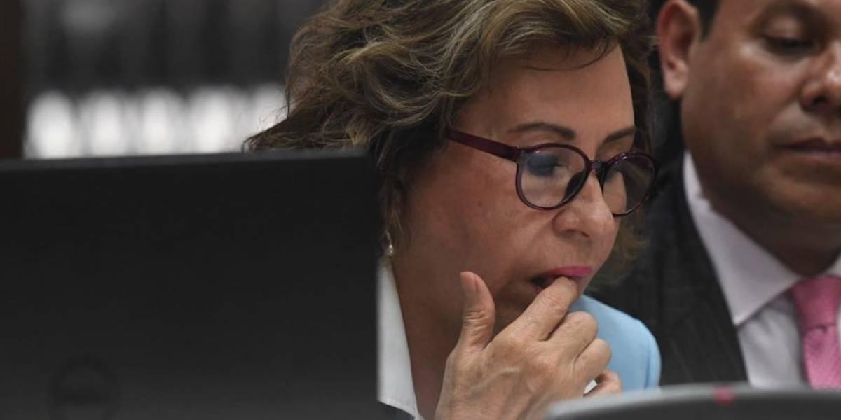 ¿A nombre de quiénes estaban las líneas telefónicas utilizadas por Sandra Torres según el MP?