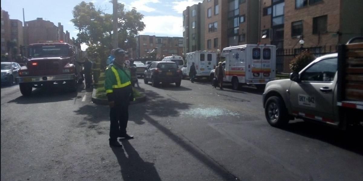 Ocho menores heridos por accidente de bus escolar con SITP en Bogotá