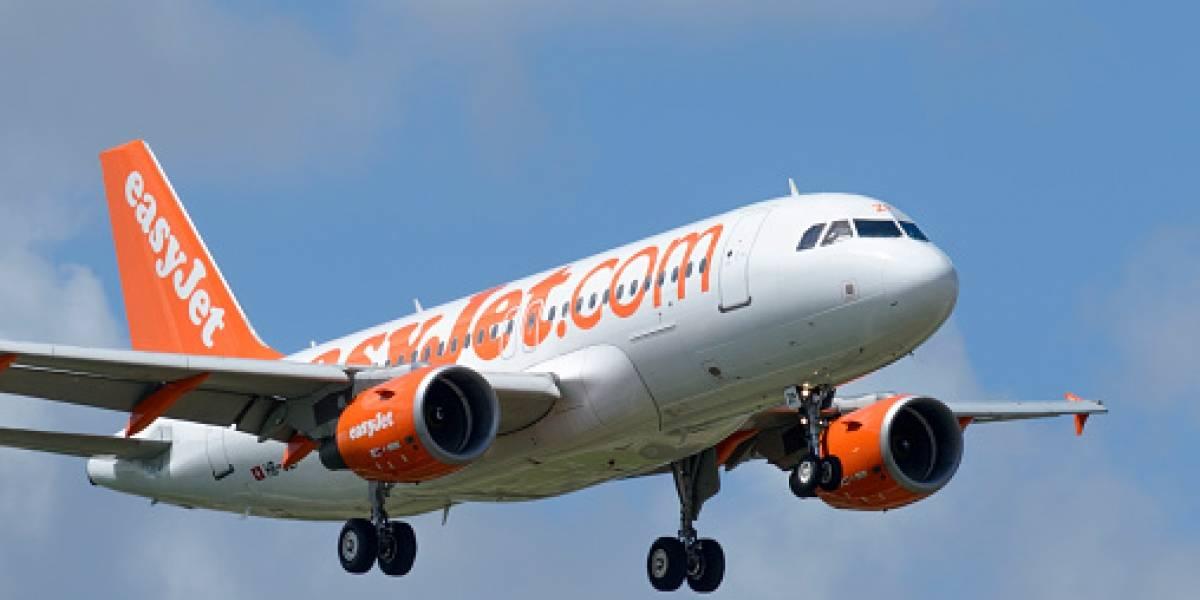Nada podía detener sus vacaciones: pasajero toma el control y se hace cargo de un vuelo luego que no llegara el piloto