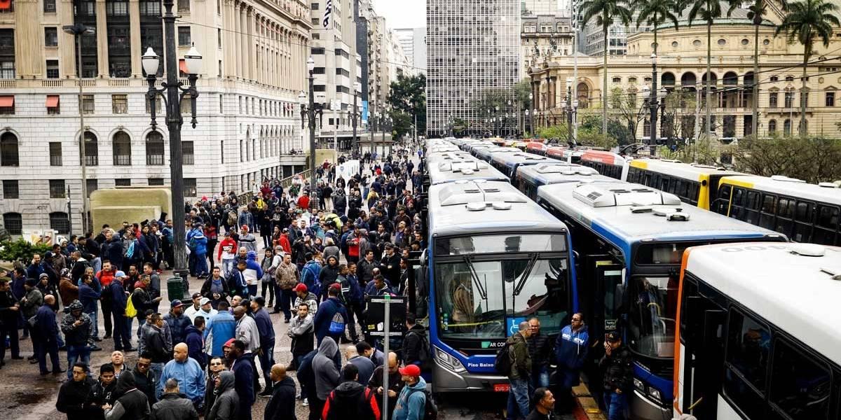 Contratos assinados após greve de ônibus só farão efeito daqui a um ano