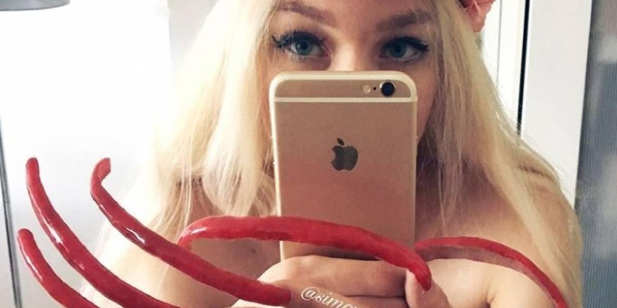 ¡Impactante! Influencer sorprendió al no cortar sus uñas por dos años (Instagram)