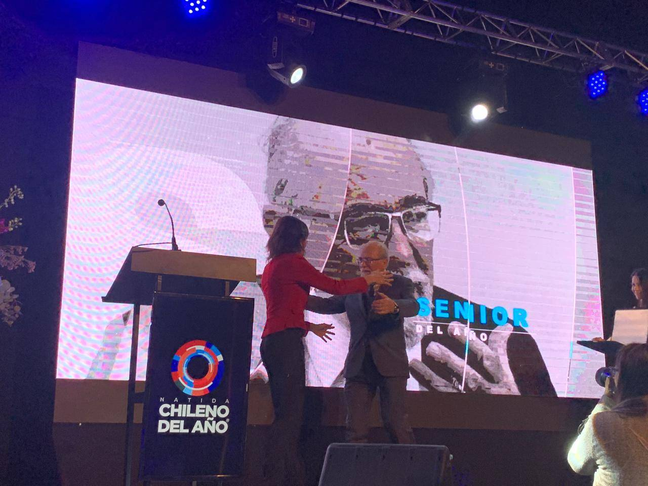 """Profesor José Maza recibe el premio a """"Chileno del año"""""""