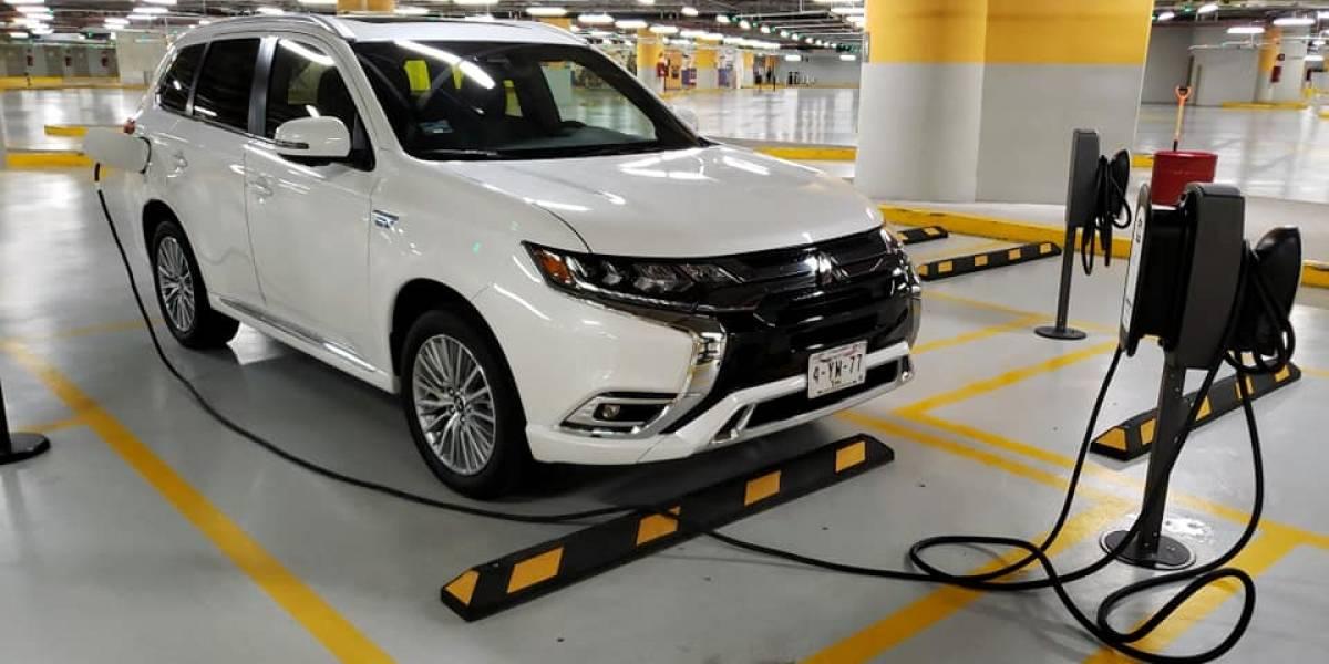 ¿Híbrido enchufable? Qué es y cómo se maneja, con ejemplo de Mitsubishi Outlander PHEV