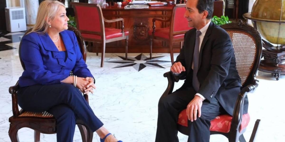 Gobernadora se reúne con Fortuño en La Fortaleza