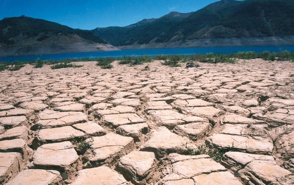Sequía: Embalses de Chile registran un 20% de pérdidas en sus reservas