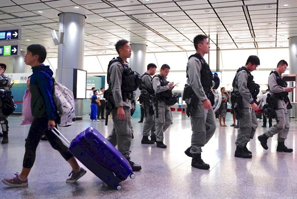 Aeropuerto de Hong Kong, fuertemente custodiado