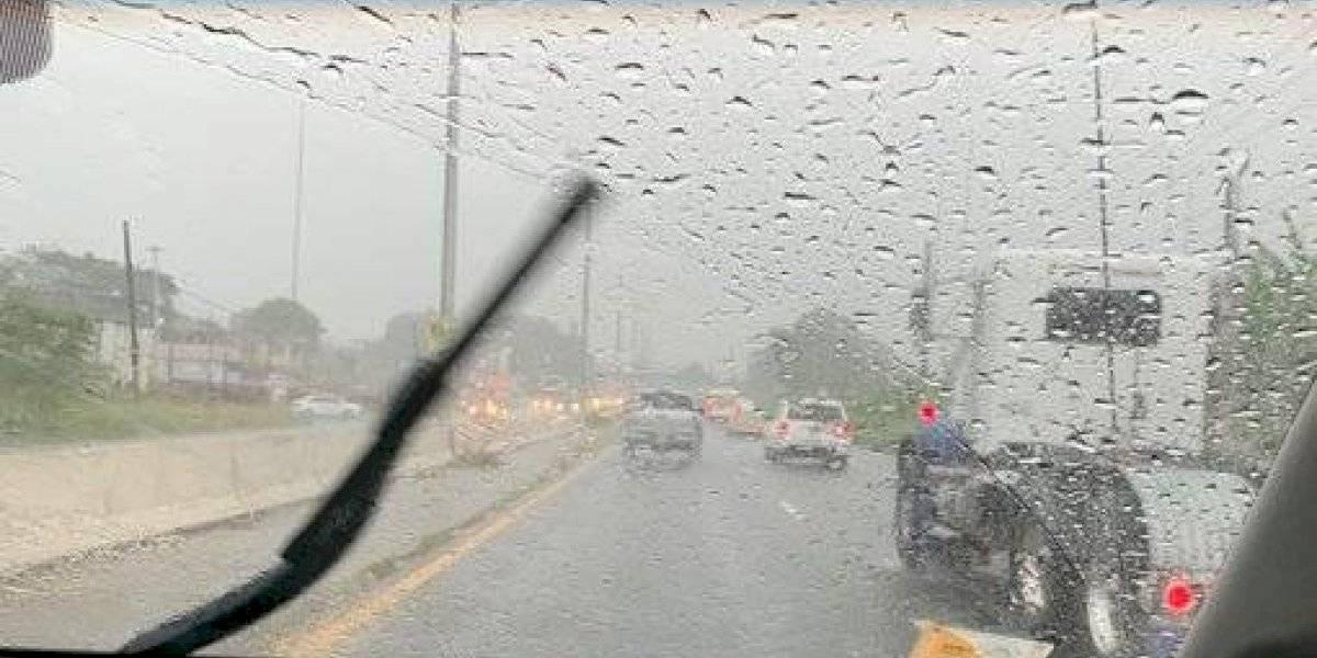 Pasajera la lluvia que arropa la mitad este de Puerto Rico