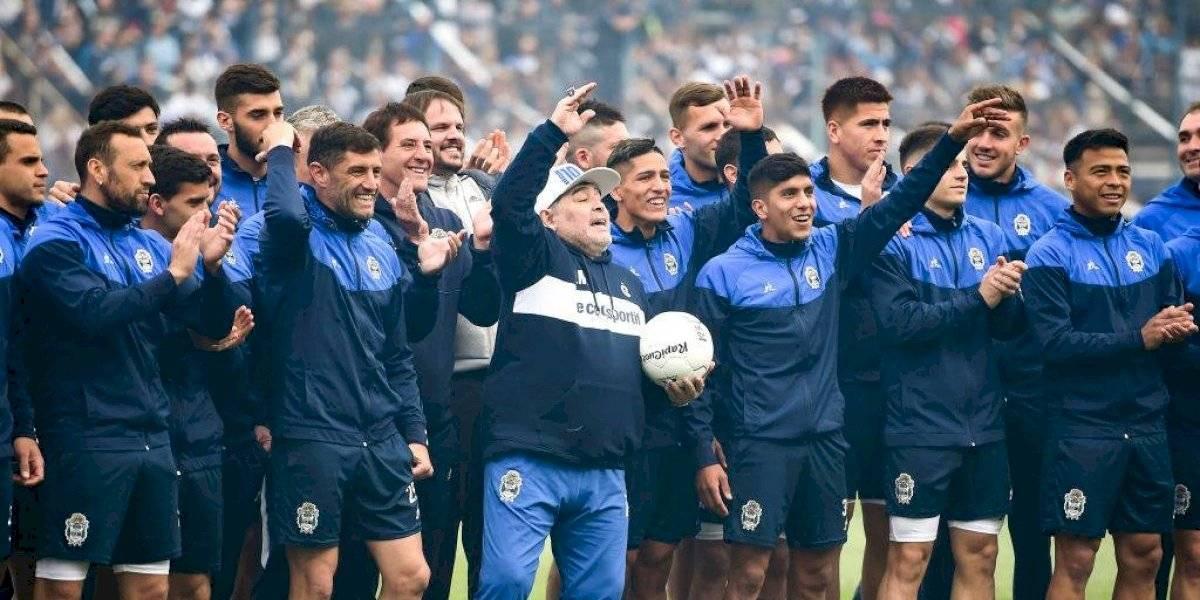 """""""No soy un mago, acá hay que trabajar"""": El mensaje de Diego Maradona en su presentación como DT de Gimnasia y Esgrima de La Plata"""