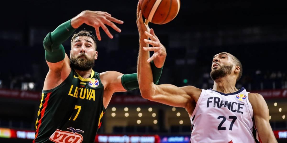FIBA suspende a 3 árbitros tras polémica decisión en el Francia-Lituania