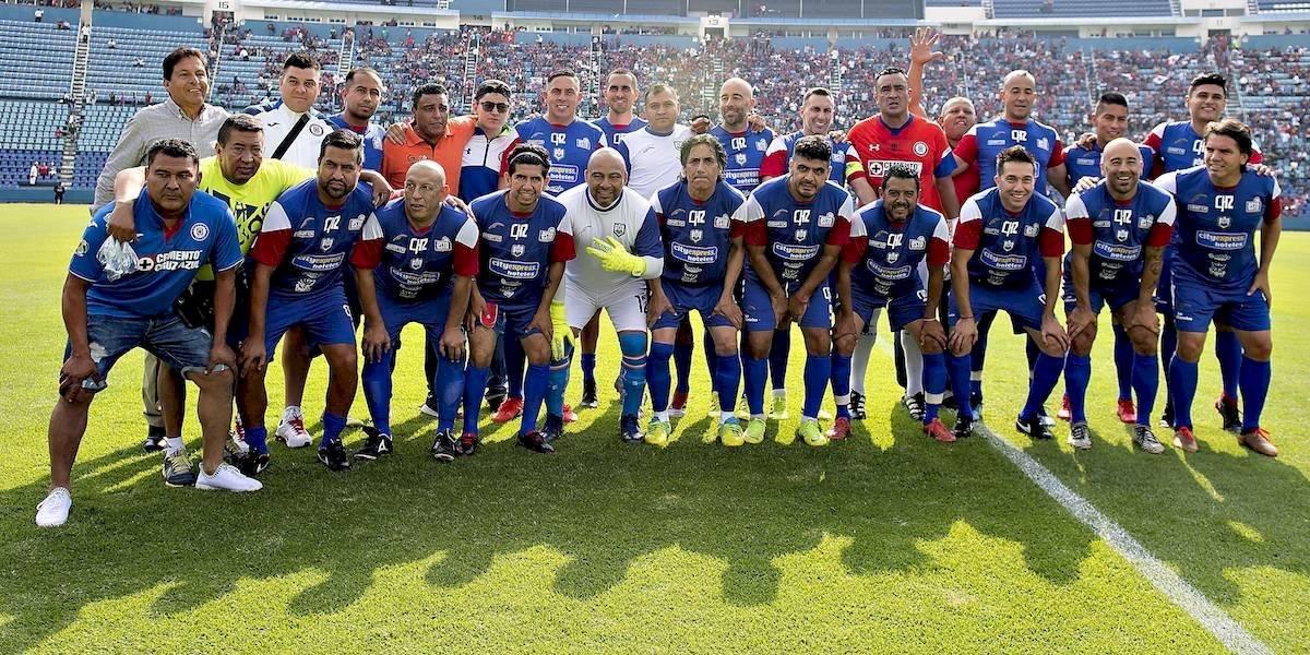 Chaco Giménez y Lupillo Castañeda pagaron de su bolsillo a jugadores del partido de leyendas