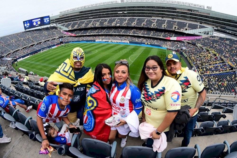 Pese a que no hubo goles, los aficionados vivieron su fiesta. | MEXSPORT